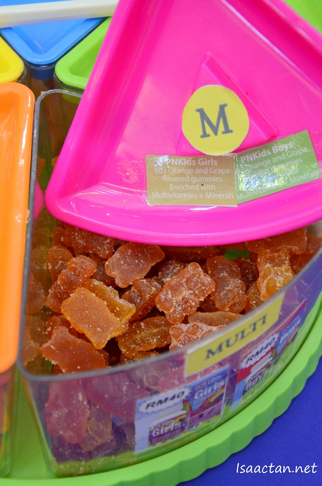 PNKids Girls and Boys: Orange and Grape Flavoured gummies enriched with multivitamins