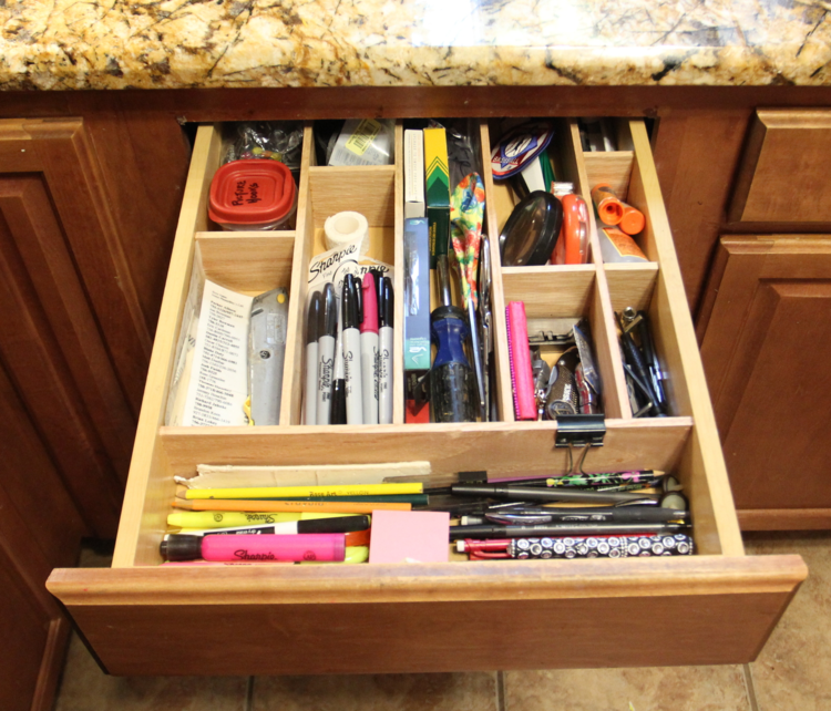 Organization Ideas For Junk Drawers: Fridays Unfolded Link Party {#158}