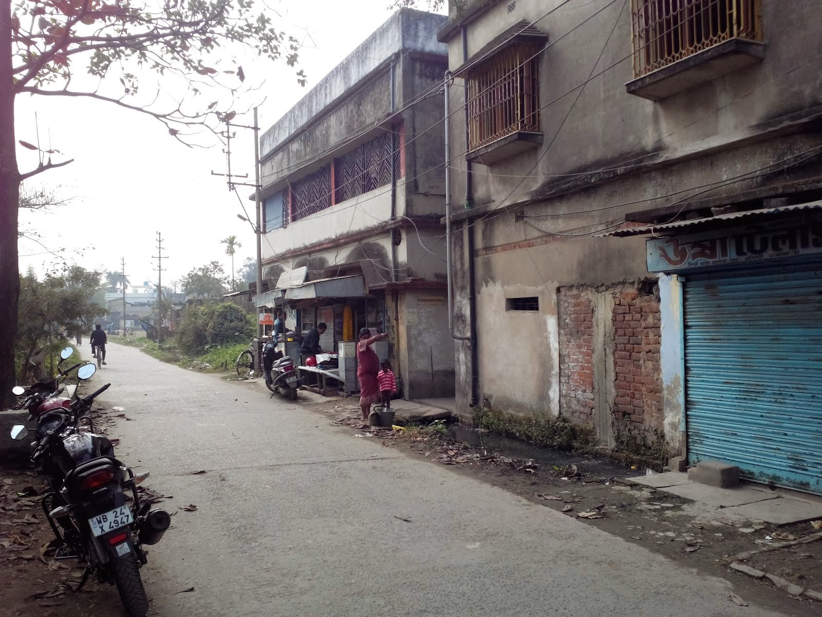 Kishori Mohan Bandyopadhyay Road, Panihati, West Bengal, India.