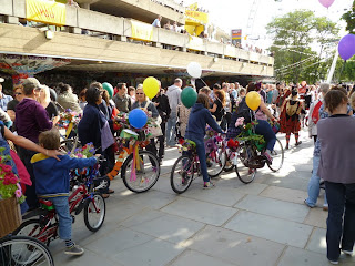 Southbank floral bicycle parade 2 on lambethcyclists.org.uk