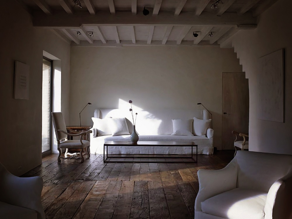 D cor de provence axel vervoordt for Decor interiors