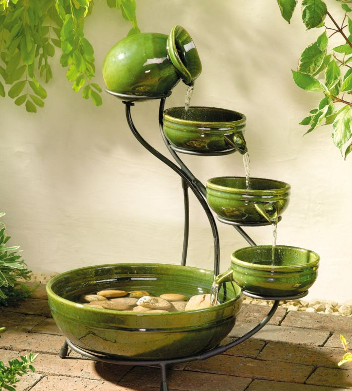 Garden fountains urbangardening for Garden fountains and water features