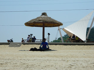 yoga under the umbrella in Seonyudo trip