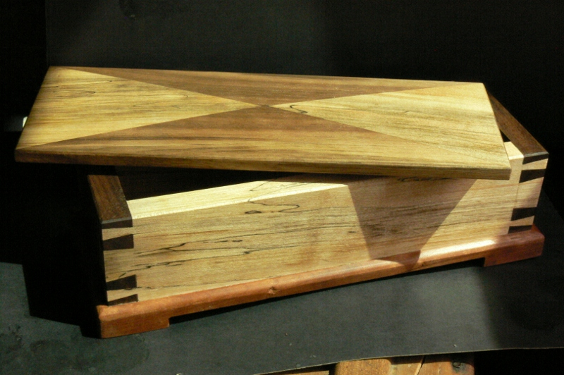 ÉBÉNISTERIE CUNNINGHAM WOODWORKING: SMALL JEWELRY BOX