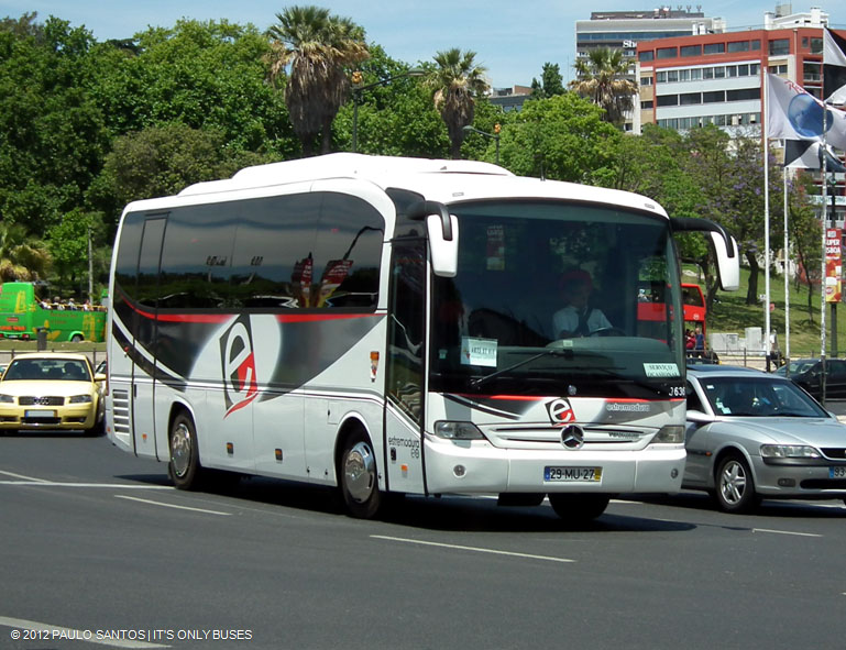 Estremadura 0636 mercedes benz tourino it 39 s only buses for Mercedes benz charter bus