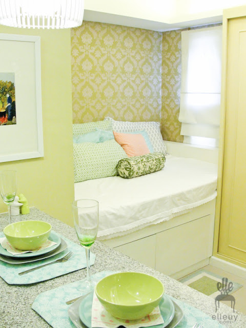green room, chic studio unit, green wall paper, green blue pink room, shabby chic space