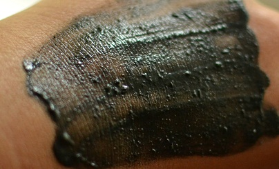 lush face cleanser scrub dark angels oily skin sugar charcoal sandalwood rhassoul mud review ingredients