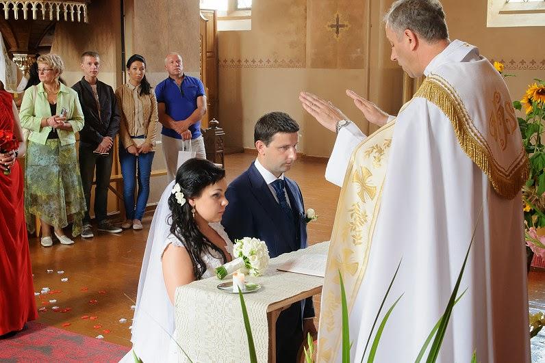 balininkų kunigas tuokia