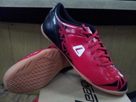 Matrix revo ic 105532 601w 199 Sepatu Futsal League Terbaru
