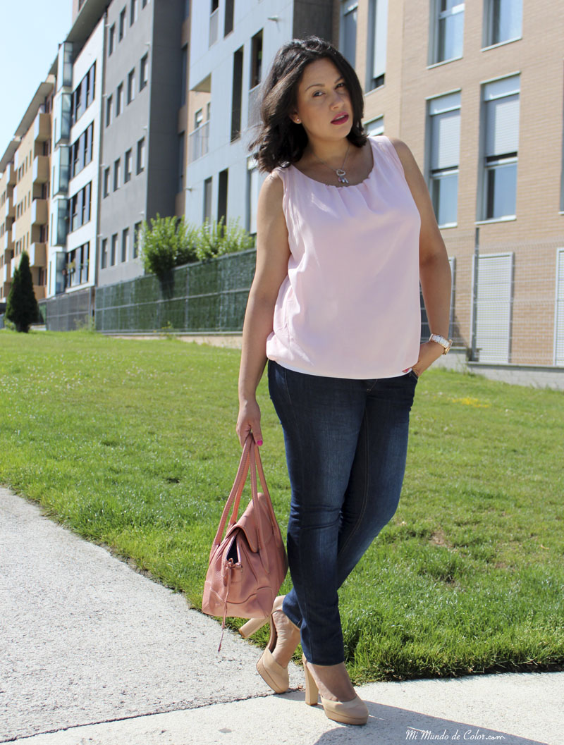 pink pastel blouse look