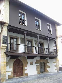 Villaviciosa, casa de Rodrigo de Hevia, fachada principal