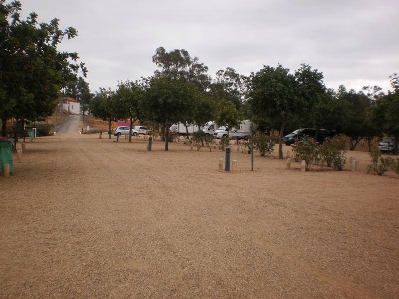 Parque de estacionamento junto á da Praia Fluvial
