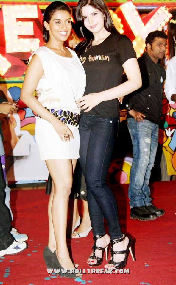 , Zarine Khan Hot Tight Jeans With Asin At Raag.fm Music Blog