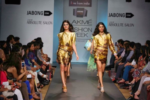 Models display Nidhi Agarwal and Jayesh Khatri`s creation