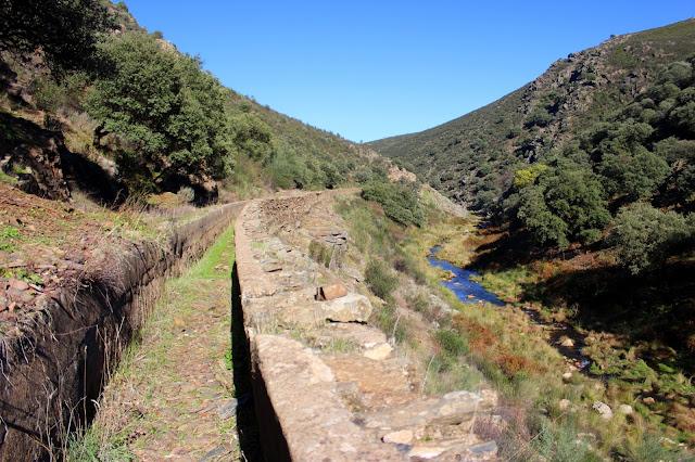 Canal de la Ruta de las Herrerías en Campillo de Deleitosa