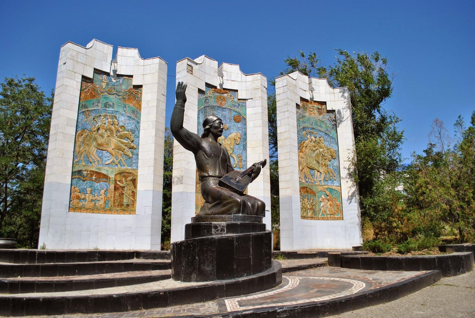 Памятник в элисте предприимчивому купить памятник гранит москва