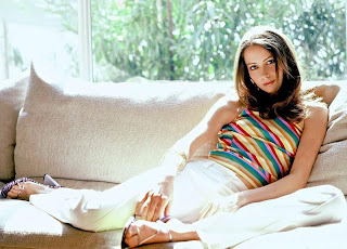 Amy Acker Posing