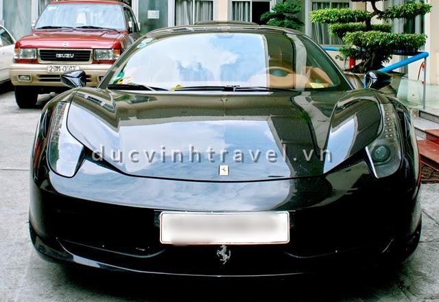 Cho thuê siêu xe cưới Ferrari 458 Italia Đen đời mới