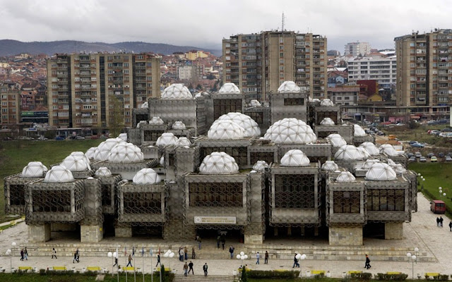 Biblioteca Nacional en Pristina, Kosovo.