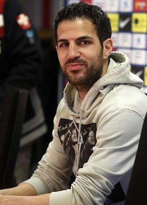 Fábregas cree que si habrá doble derbi en la Copa del Rey