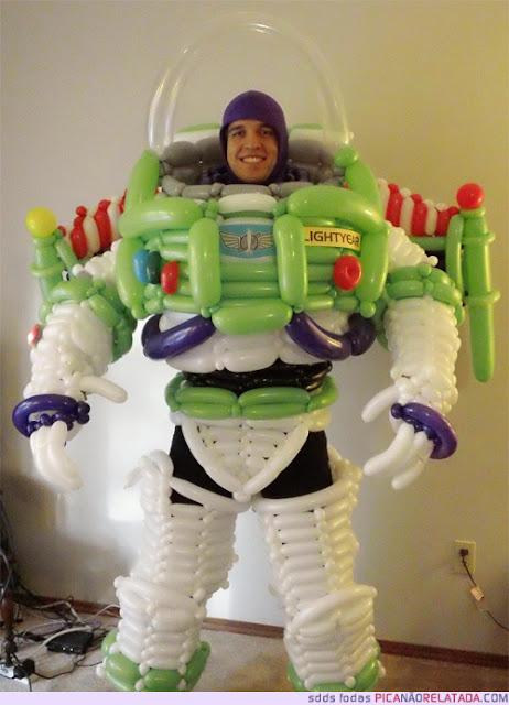 Buzz Lightyear hecho con globos