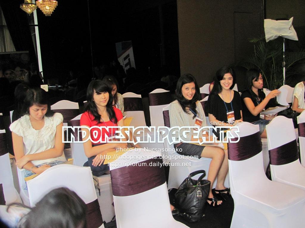 Miss Jawa Timur: Indonesian