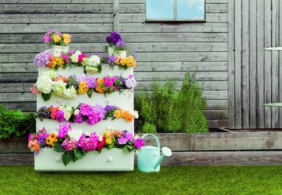 Blog de Muebles Jardín: Jardín con flores.