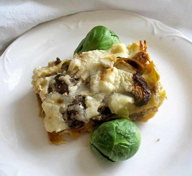 brussels sprouts lasagna with mushrooms