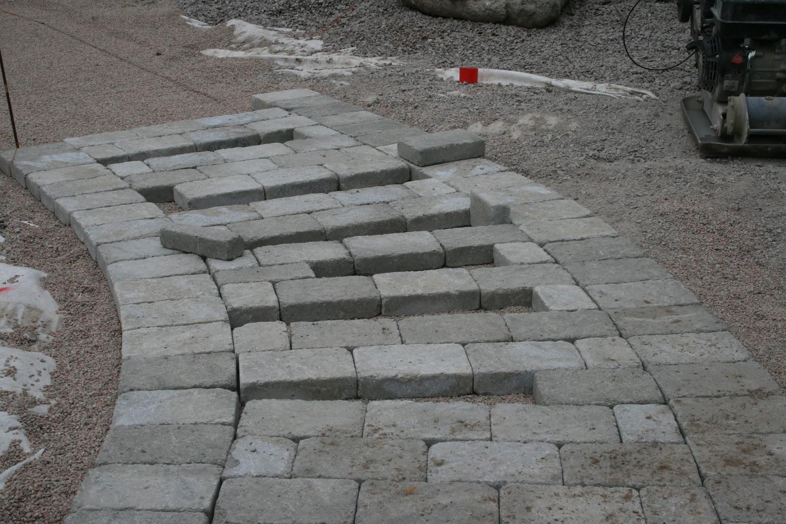 En Trädgårdsälskares betraktelser: Stenläggningsdax