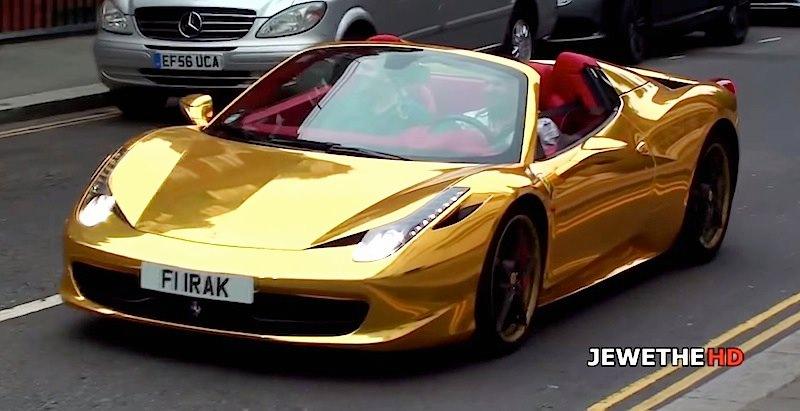 【動画】乗るだけで勇気が必要になりそうなゴールドの「フェラーリ458スパイダー」