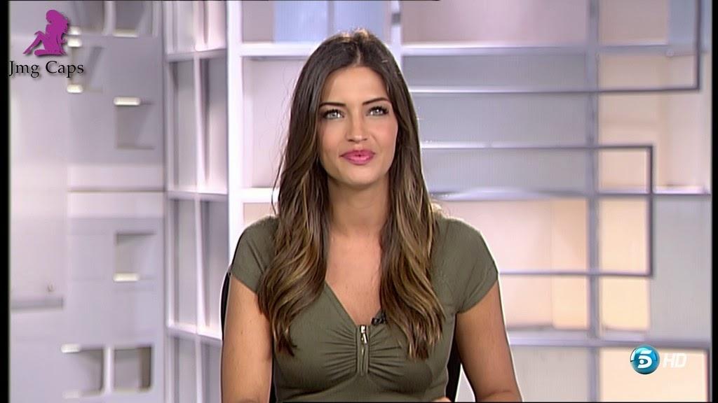 SARA CARBONERO, INFORMATIVOS TELECINCO (17.10.14)