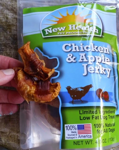 new health pet products apple and chicken jerky treats