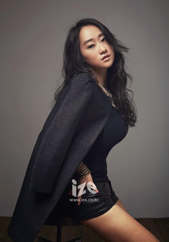 Puer Kim - ize Magazine February Issue 2014