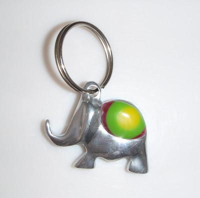 Elefántos kulcstartó Kittától