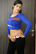 Liza reddy latest sizzling pics-thumbnail-15