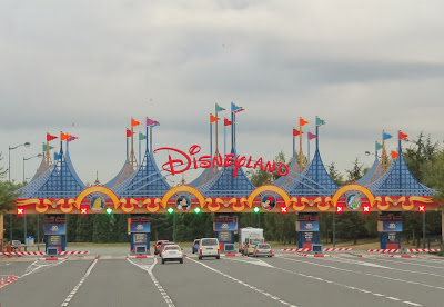 Enterance to Disneyland Paris www.thebrighterwriter.blogspot.com