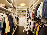 iluminación de walk in closet