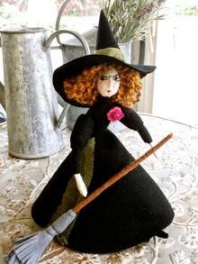 """felt doll """"Mathilde Ghastlie"""""""