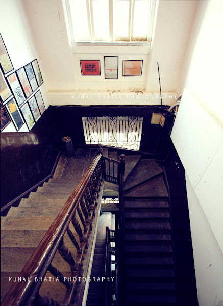 old south mumbai gothic architecture staircase chemould gallery jnanapravaha kunal bhatia mumbai india photo blog