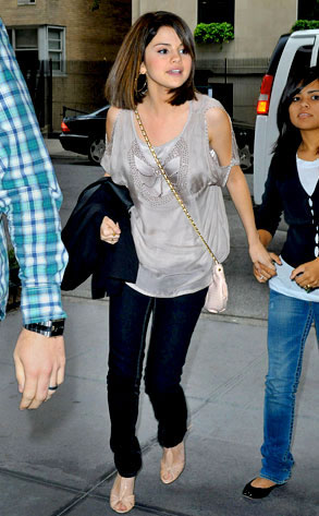 selena gomez casual outfits funny amp amazing images