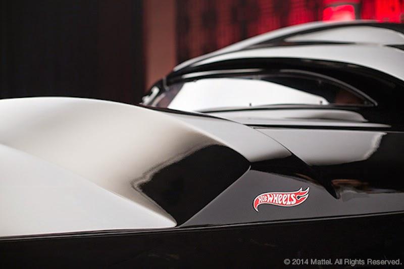 「ダースベイダー」をイメージしたワンオフの「Vadermobile」がミニカーと実車で登場