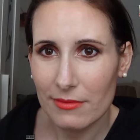 Maquillaje en cobre y naranja