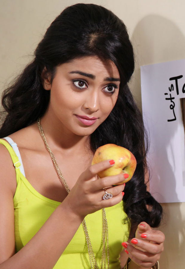 shriya hot and spicy pictures