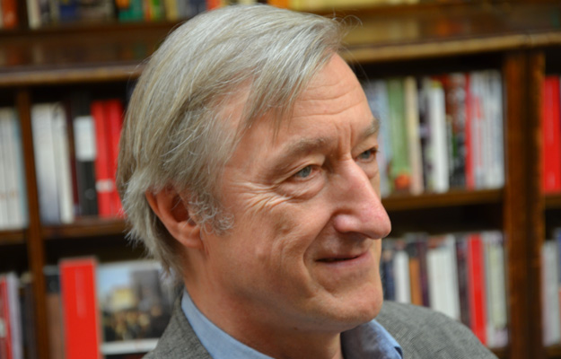 julian barnes essays Keeping an eye open has 436 ratings and 80 reviews marita said: i shall not attempt an analysis of julian barnes's analyses read this collection for es.