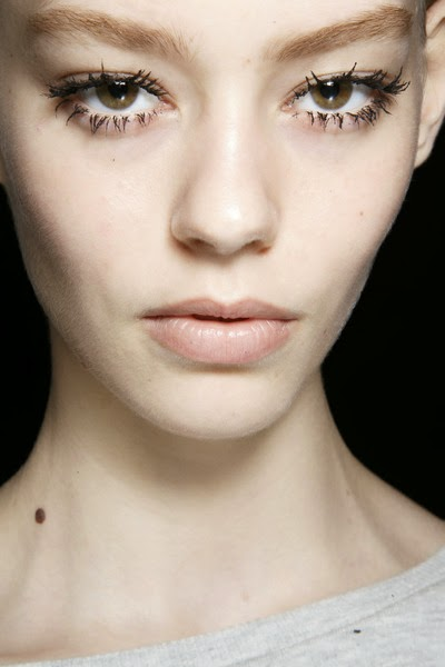 beauty_trends_big_eyelashes