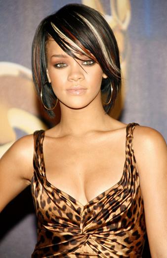 Rihanna Bob Saç Kesimi ve Rihanna Siyah Saça Sarı ve Kızıl Balyaj