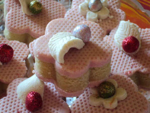 جديد حلويات جزائرية للعيد 2015 - حلويات العيد الجزائرية DSC02707.JPG