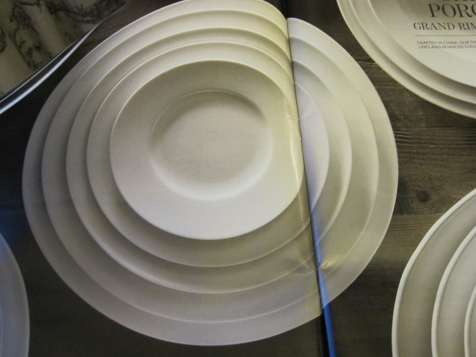 Groundbreaking round plates & Design du Monde: The co-founder of black is at it again