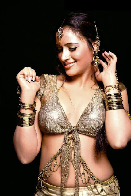 Navneet Kaur Latest Still Pictures of Tollywood Magazine www.fashionablediva.com