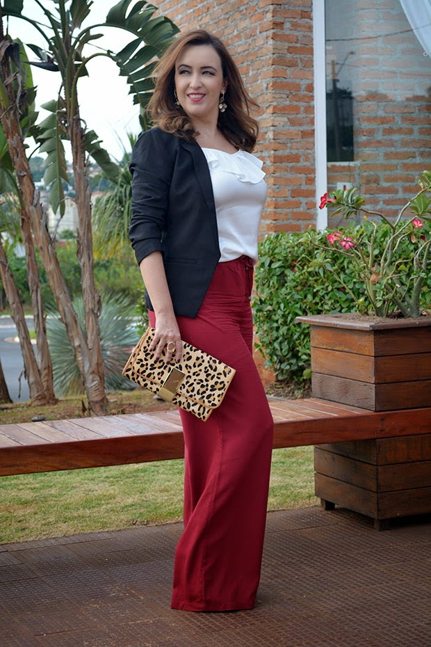 pantalona, blazer preto, pantalona vermelha, clutch onça, look do dia, look de blogueira, blog camila andrade, blog de moda em ribeirão preto, pamela zanadréa
